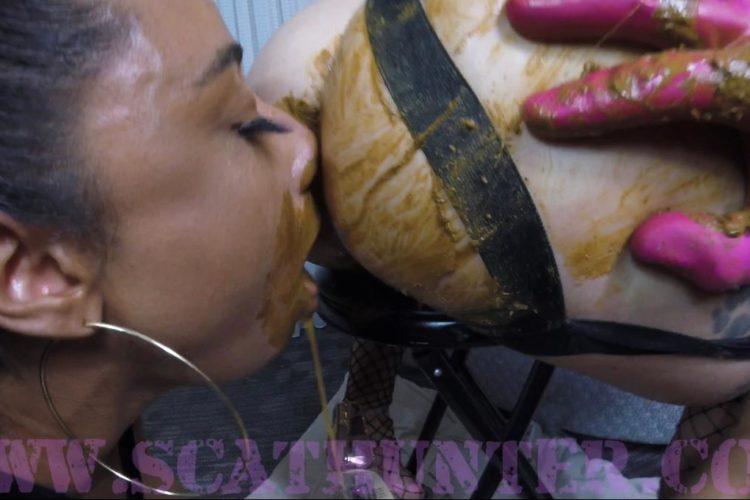 Scat Eating Lesbians